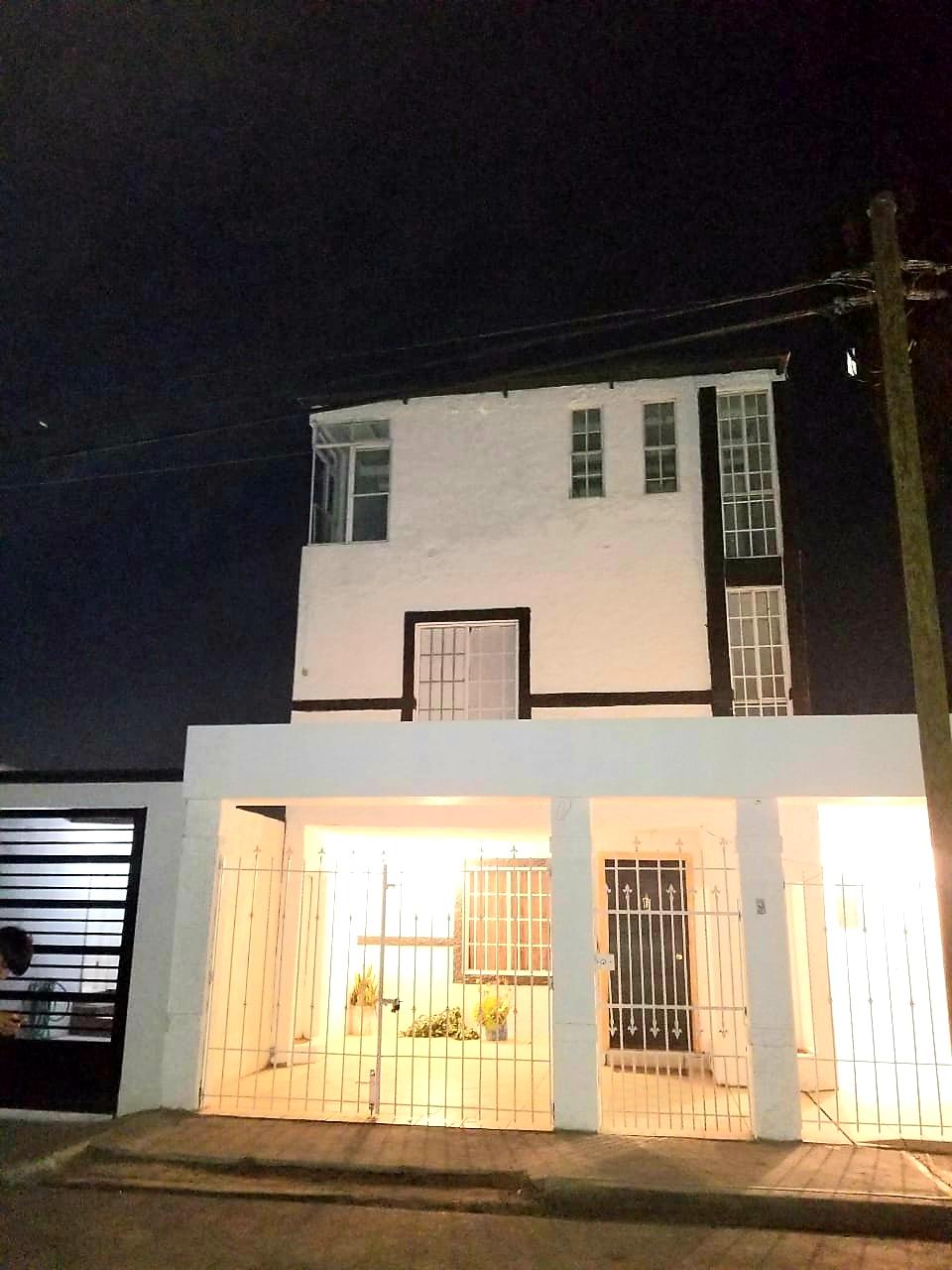 fachada casa en venta en los álamos tijuana